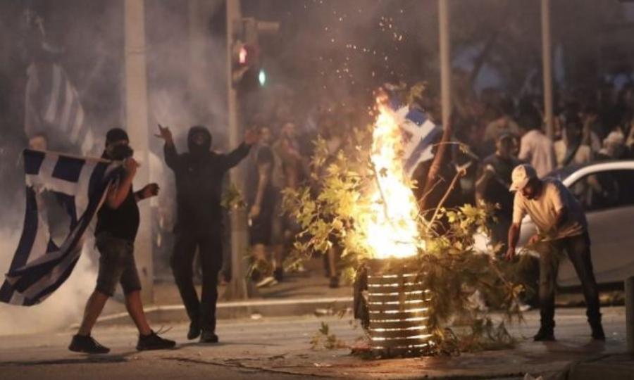 Επεισόδια στη Θεσσαλονίκη: Εισαγγελική παρέμβαση για τον οπλοφόρο διαδηλωτή