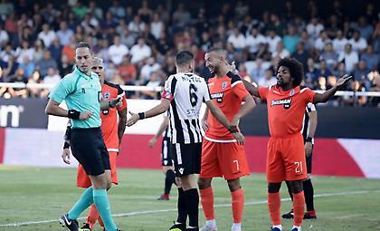 Βαρούχας στον ΣΠΟΡ FM: «Πολλά λάθη και στην 3η αγωνιστική. Δίνουν δικαιώματα για ξένους διαιτητές»