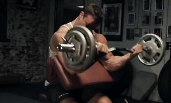 Οι καλύτερες… παραδοσιακές ασκήσεις για χέρια «τούμπανο»