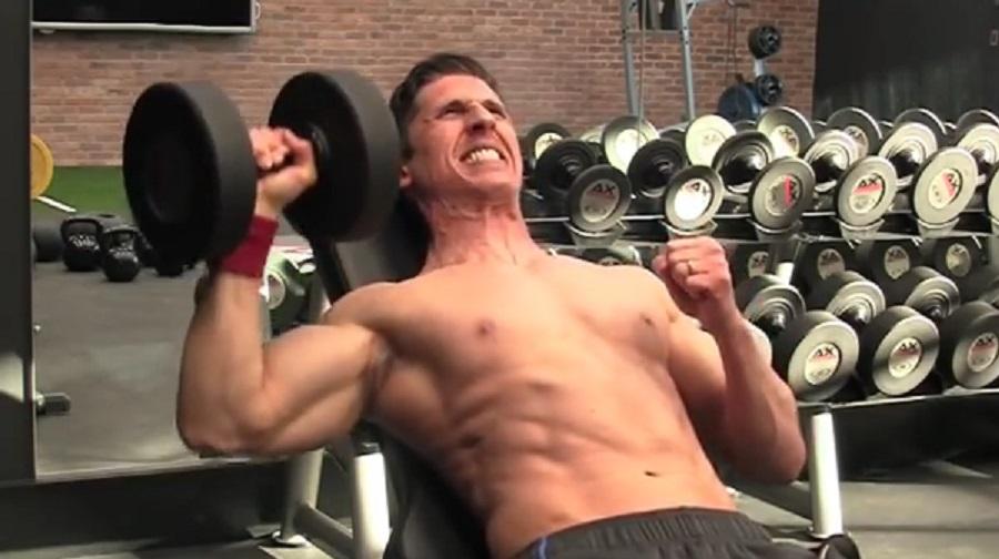 Αυτές είναι οι 8 καλύτερες ασκήσεις με βαράκια (video)