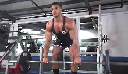 Οι 10 καλύτερες ασκήσεις με βάρη και όργανα για όλο το σώμα (video)