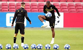 Η προπόνηση της ΑΕΚ στο «Johan Cruyff Arena» (pics)