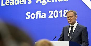Έκτακτη Σύνοδος Κορυφής το Νοέμβριο για το Brexit ανακοίνωσε ο Τουσκ