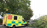 Δύο νεκροί από την καταιγίδα Ali που «σαρώνει» την Ιρλανδία