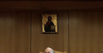 Η Ένωση Αθέων ζητεί να αφαιρεθούν εικόνες - θρησκευτικά σύμβολα από το ΣτΕ
