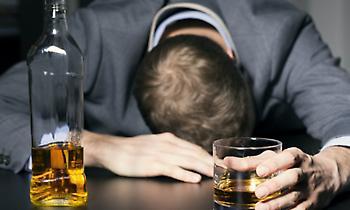Παγκόσμιος Οργανισμός Υγείας: Ένας στους 20 θανάτους συνδέονται με το αλκοόλ