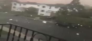 Συγκλονιστικό βίντεο από καταιγίδα στην Οτάβα: Ξεριζώνει δέντρα, σηκώνει σκεπές