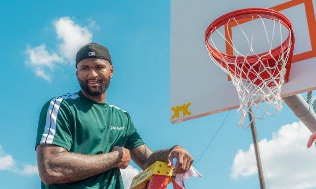 Κάζινς: Δημιούργησε γήπεδο μπάσκετ στην γενέτειρά του! (photo)