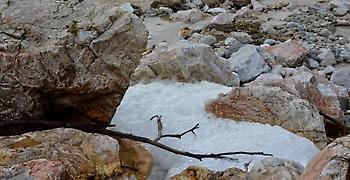 Υγρά και στερεά απόβλητα βρέθηκαν σε Ασπρόπυργο και Φυλή
