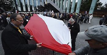 Η Κομισιόν στέλνει στο Ευρωδικαστήριο την Πολωνία για το κράτος δικαίου