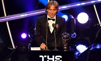 Ο Μόντριτς έσπασε το δίπολο Μέσι-Ρονάλντο: Πήρε το βραβείο του παίκτη της χρονιάς!