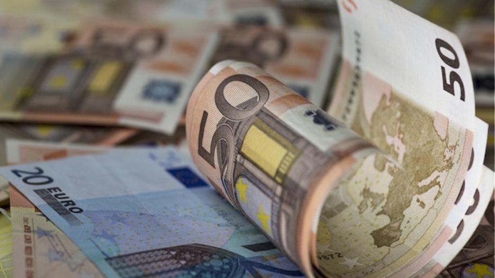 Σχεδόν 3,6 εκατομμύρια Έλληνες χρωστούν μέχρι 10.000 ευρώ