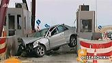 Αυτοκίνητο έπεσε πάνω σε υπό κατασκευή διόδια στο Ωραιόκαστρο - Στο νοσοκομείο ο οδηγός