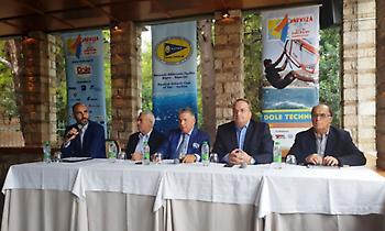 """Όλα έτοιμα για το Πανευρωπαϊκό Πρωτάθλημα Ιστιοσανίδας """"Dole Techno 293 """" στη Βάρκιζα (pics, video)"""