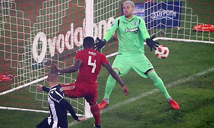 Έκαναν ήρωα τον Πασχαλάκη των 13 γκολ σε τρία ματς με τον Ολυμπιακό…