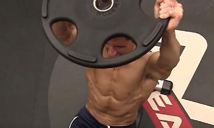 4 εξαιρετικά δύσκολες ασκήσεις για κοιλιακούς (video)
