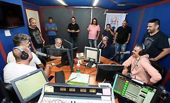 O Αλέξανδρος Τσουβέλας σε μια... ειδική παρουσίαση του νέου προγράμματος του ΣΠΟΡ FM