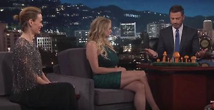 Η Στόρμι Ντάνιελς διαλέγει το «μανιτάρι» του Τραμπ (VIDEO)