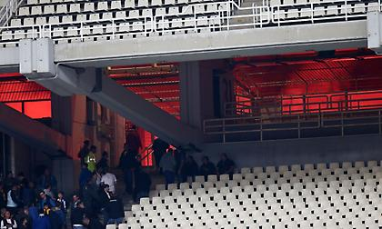 ΕΛ.ΑΣ: «Επίθεση οπαδών της ΑΕΚ με πέτρες, μάρμαρα και μολότοφ σε αστυνομικούς»
