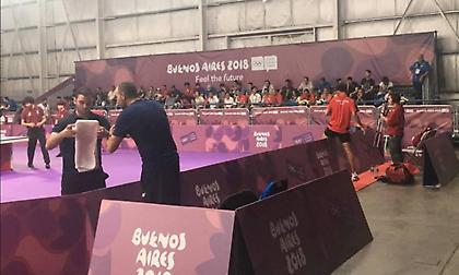 Οι αντίπαλοι Σγουρόπουλου/Μπογκντάνοβα στο ομαδικό πινγκ πονγκ των Ολυμπιακών Αγώνων Νέων
