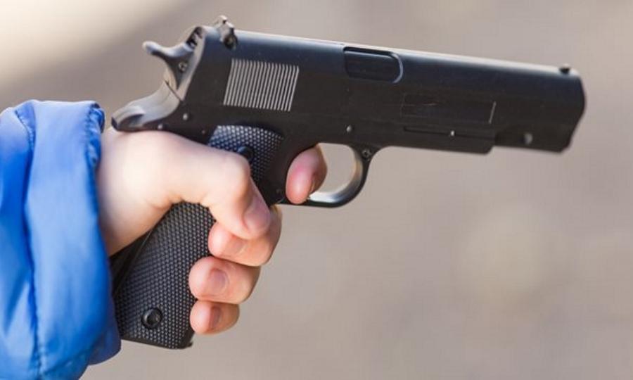 Λαμία: 13χρονος πυροβόλησε μέσα σε σχολείο για τα μάτια μιας κοπέλας