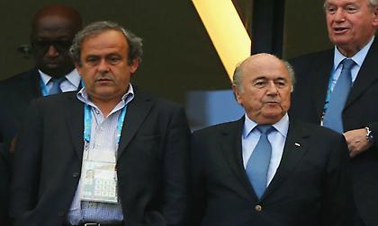 Ο Πλατινί καταγγέλλει συνωμοσία εναντίον του από αξιωματούχους της FIFA!