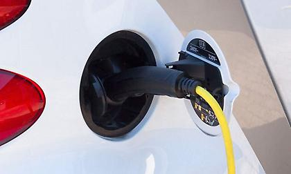 Αναβαθμίζεται η διαδικασία φόρτισης των ηλεκτρικών αυτοκινήτων