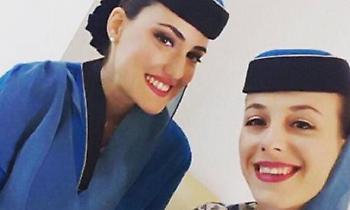 Η κουκλάρα Ελληνίδα αεροσυνοδός που πετάει με τον σουλτάνο του Ομάν (pics)