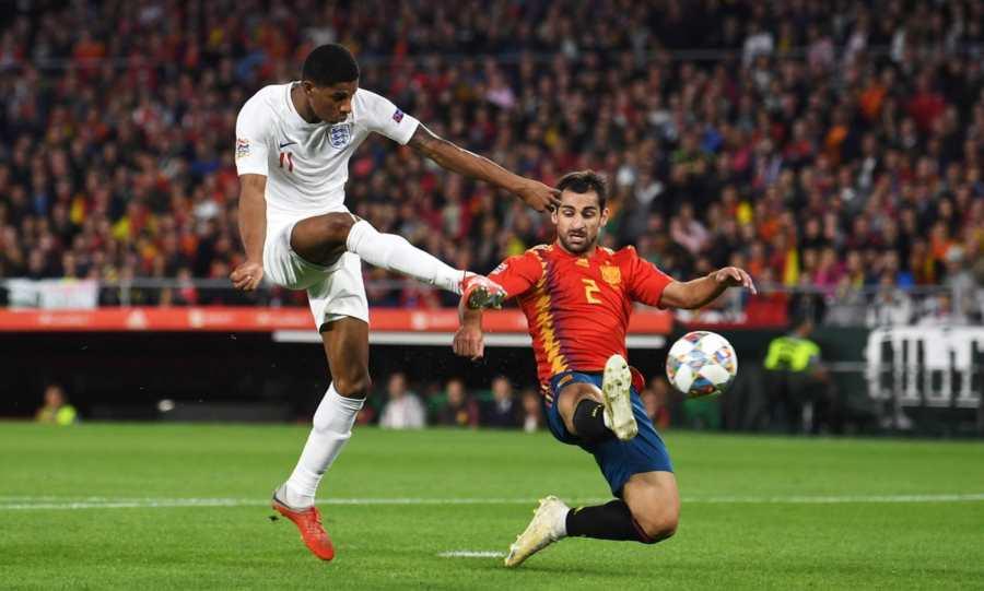 Τι κάνει η Αγγλία! 0-3 την Ισπανία πριν από το ημίχρονο (vids)