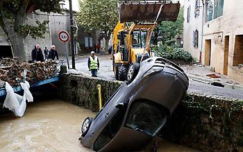 Πλημμύρες στη Γαλλία, κυκλώνες σε Ισπανία και Πορτογαλία