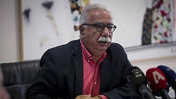 Ομαδικά πυρά Μαθηματικών, Φυσικών, Χημικών κατά Γαβρόγλου: Θέλει να διαλύσει το Λύκειο