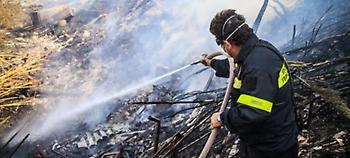 Πυρκαγιά σε εργοστάσιο ξυλείας έξω από τη Θεσσαλονίκη