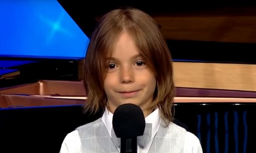 Στέλιος Κερασίδης: Ο 6χρονος βιρτουόζος από το «Ελλάδα έχεις ταλέντο», στο Carnegie Hall