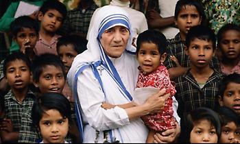 Μητέρα Τερέζα: Αγία της Αγάπης ή Αγία της Απάτης;