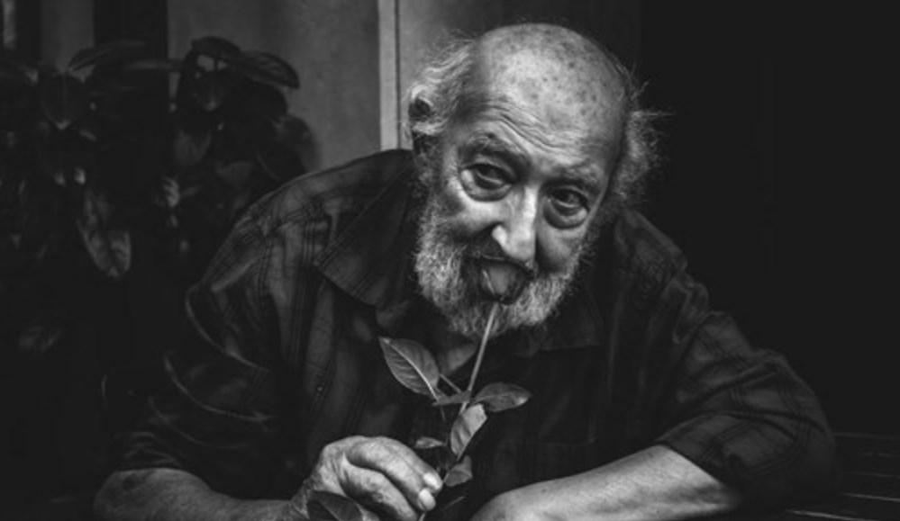 Πέθανε ο θρυλικός φωτογράφος της Κωνσταντινούπολης