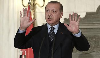 Ερντογάν: Ο Τούρκος πρόεδρος κοιμήθηκε σε συνέντευξη Τύπου