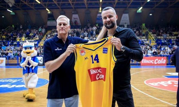 Βράβευσε Γκούροβιτς το Περιστέρι: «Η Ελλάδα έχει το καλύτερο μπάσκετ στην Ευρώπη»