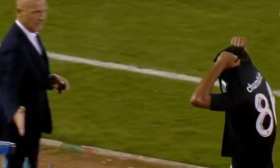 Ο Σουμπίνιο δεν έδωσε το χέρι του στον προπονητή του (video)