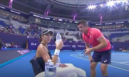 Επεισόδιο Μουγκουρούθα με τον προπονητή της εν ώρα αγώνα-Την έβρισε (video)