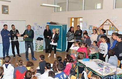 Πήγαν ξανά… σχολείο οι παίκτες της Λαμίας (pics)