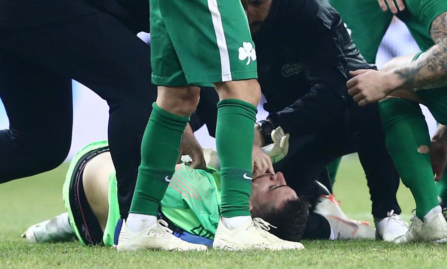 Σοκ στο «Γ. Καραϊσκάκης» με τον τραυματισμό του Διούδη – Χειροκρότημα από όλο το γήπεδο