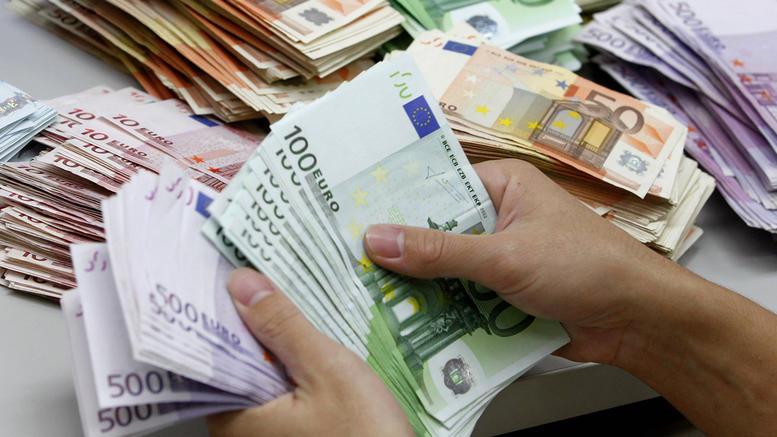 Επιχείρηση «φρέσκο χρήμα» με αναδρομικά και έκτακτο μέρισμα