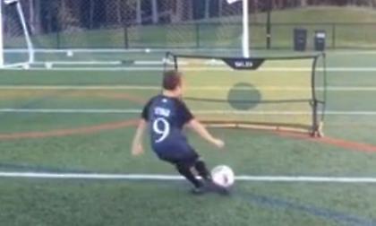 Μικρός… Μπέκαμ: Ο μπόμπιρας που στέλνει την μπάλα όπου ακριβώς θέλει (video)