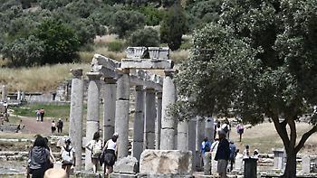 Deutsche Welle: Από ρεκόρ σε ρεκόρ ο ελληνικός τουρισμός