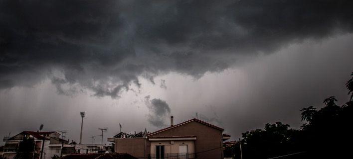 Πέφτει κι άλλο η θερμοκρασία σήμερα -Βροχές και ισχυροί άνεμοι