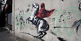 Ο Banksy χτυπά ξανά με δωρεάν αφίσες στο World Travel Market