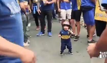 Viral: Το βίντεο που κάνει τον γύρο του κόσμου με τον μικρό οπαδό της Μπόκα Τζούνιορς (vid)