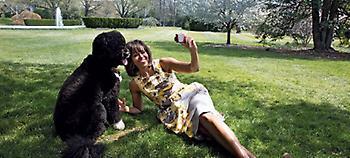 Η Μισέλ Ομπάμα αποκαλύπτει πώς ήταν η ζωή πίσω από τις κλειστές πόρτες του Λευκού Οίκου (pics)
