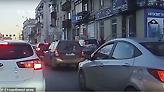 Αυτοκίνητο σαρώνει πεζούς στη Ρωσία - Σε κώμα ένα παιδί δύο ετών