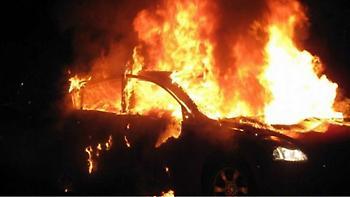 Στις φλόγες αυτοκίνητο τα ξημερώματα στο Ρέθυμνο